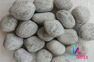 1_0017_Silver-Grey-Pebbles